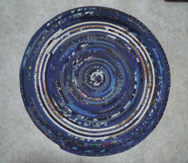 "30"" Round Rug - blue & khaki"